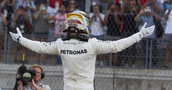 Lewis Hamilton finishes ahead of Vettel to grab pole in US Grand Prix
