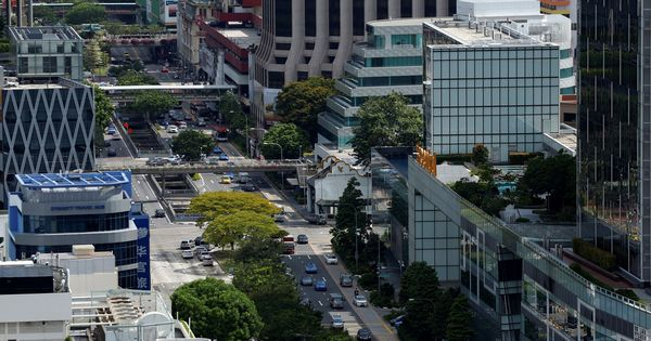 Singapore to limit cars by February 2018 because of land constraints