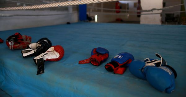 Philippine boxer dies after being knocked down in sparring match