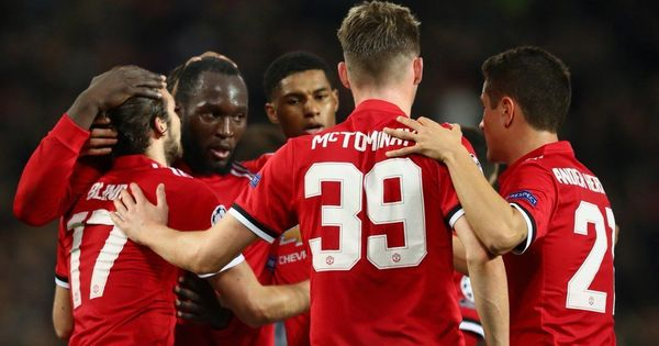 Manchester United close in on last 16 spot with 2-0 win over Benfica