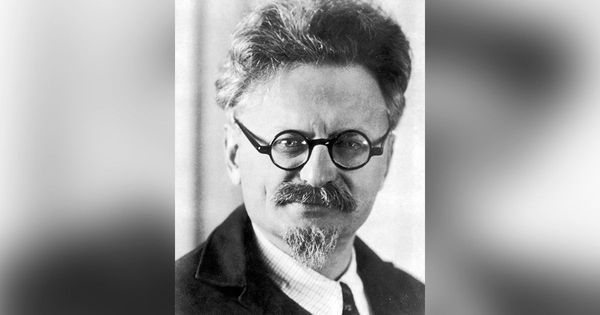 The Russian Revolution: It began with  Trotsky's vision and the mutiny of the St Petersburg garrison