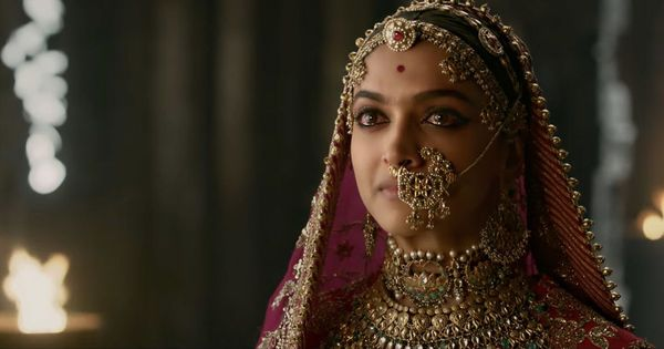 Censor board chief Prasoon Joshi gets contempt notice for not responding to plea against 'Padmaavat'