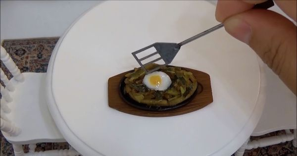 Watch how a YouTube chef from Japan cooks up tiny gourmet meals in her mini kitchen