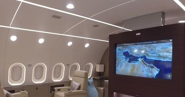 Watch: This is a rare tour inside the world's only private Boeing 787 Dreamliner