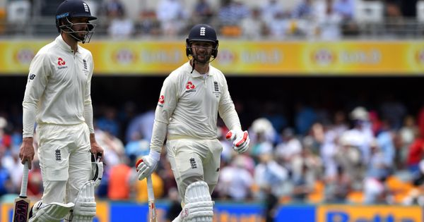 1st Ashes Test, Lunch: England fight back after Cook's wicket