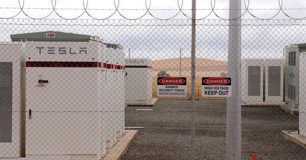 ऑस्ट्रेलिया : टेस्ला ने तय सीमा से एक माह पहले दुनिया की सबसे बड़ी लिथियम ऑयन बैटरी चालू की