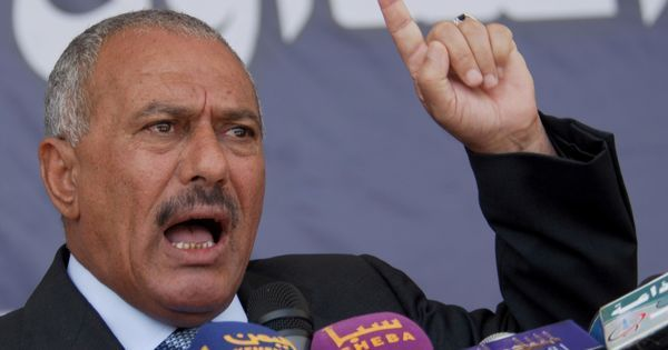 Former Yemen President Ali Abdullah Saleh is believed to have been killed in Sanaa, say reports
