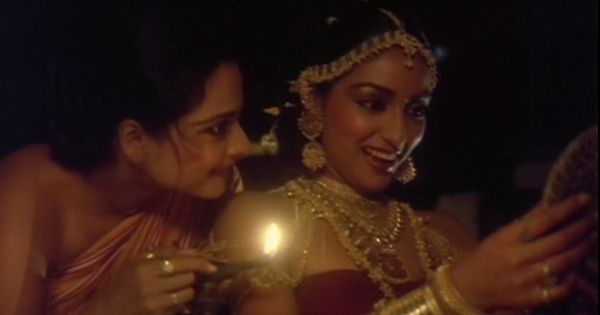 Picture the song: Beauties bond over baubles in 'Mann Kyun Behka' from 'Utsav'