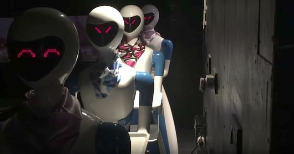 Watch: Robots are serving guests their dinner at this Chennai restaurant