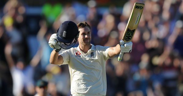 Ashes: Dawid Malan's first Test century lifts England on bouncy track in Perth