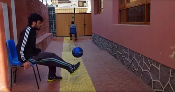 Watch this freestyle footballer from Kashmir perform his tricks with casual panache