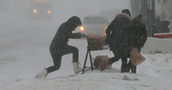 United States: Powerful blizzard kills three, leaves 80,000 homes, businesses without power