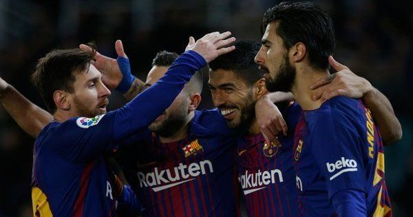 Suarez scores brace as Barcelona restore nine-point lead in La Liga, beat Sociedad 4-2