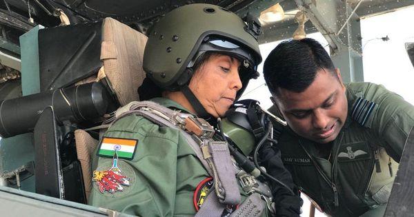 निर्मला सीतारमण सुखोई- 30 में उड़ान भरने वाली पहली महिला रक्षा मंत्री बनीं