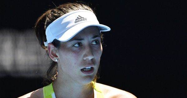 Australian Open Day 4 highlights: Muguruza, Wawrinka knocked out, Djokovic survives Monfils test