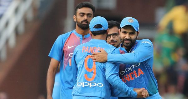 'Poweplay is where we lost it': Hendricks lauds Bhuvneshwar & Co. for tight bowling