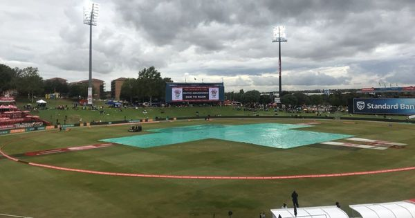 Quick fifties from van Niekerk, Lee go in vain as rain forces 4th T20I to be called off