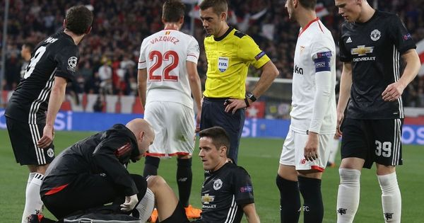 Jose Mourinho admits concern over Ander Herrera's 'bad injury' during Sevilla draw