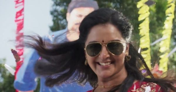 Trailer talk: Manju Warrier is a die-hard fan in 'Mohanlal'