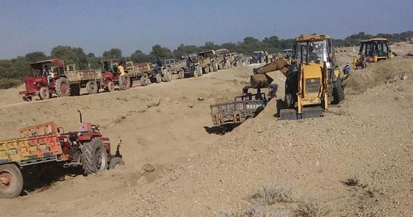 Do you have a policy to stop illegal sand mining, Supreme Court asks Centre