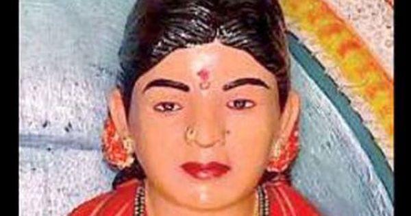 पत्नी के लिए किसान ने पहले मंदिर बनाया और फिर उसकी मूर्ति रखकर पूजा भी शुरू कर दी