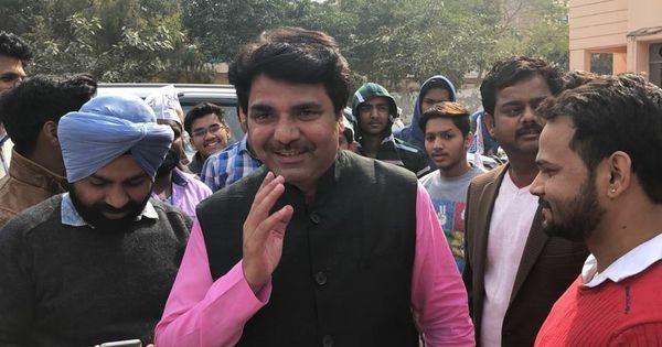 अरविंद केजरीवाल की मौजूदगी में आप विधायक ने कहा - फाइल रोकने वाले अधिकारियों को ठोकना चाहिए