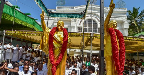 As AIADMK prepares to replace Jayalalithaa statue that barely looks like her, Twitter has a laugh