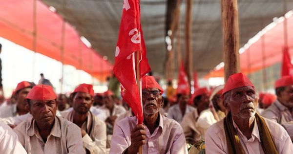 Maharashtra farmers call off their protest after chief minister says government will fulfil demands