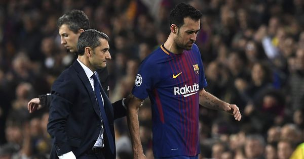 Barcelona's Sergio Busquets out for at least three weeks with fractured toe