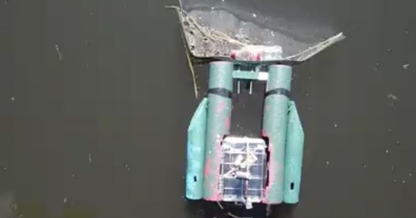 Watch: An online game will have users controlling a trash-cleaning robot to depollute Chicago river