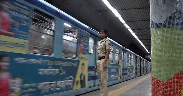 क्या रेलवे स्टेशनों में बेहतर सुविधाओं की फीस भी अब रेल यात्रियों को चुकानी होगी?