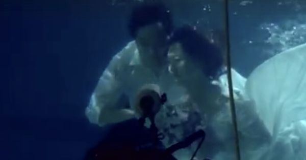 Watch: Chinese couples are going underwater in search of unique locations for wedding photographs