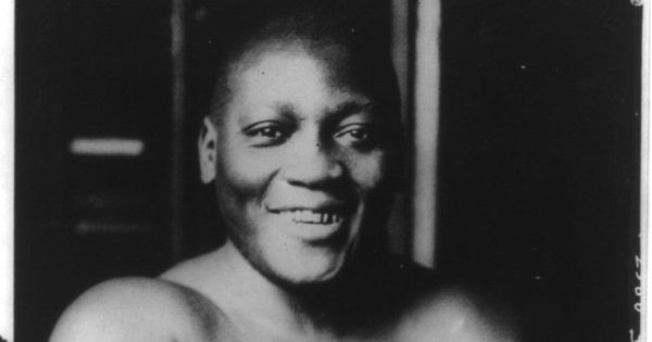 Legendary American boxer Jack Johnson receives presidential pardon 72 years after his death