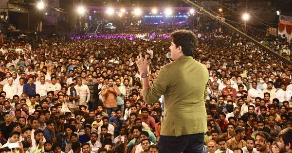 Meet Imran Pratapgarhi, the rockstar poet who draws tens of thousands of fans at Urdu mushairas