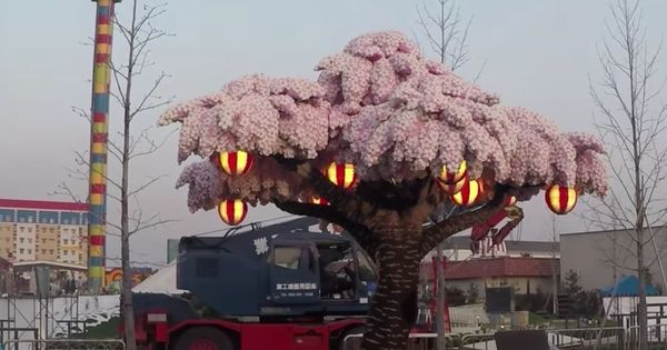 Watch: A theme park in Japan built a life-size cherry blossom tree entirely out of LEGO blocks