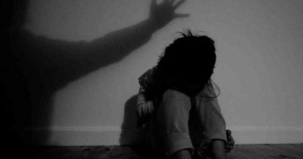 उत्तर प्रदेश : थैले में भ्रूण के साथ बलात्कार पीड़िता थाने पहुंची, पुलिस ने मामला दर्ज किया