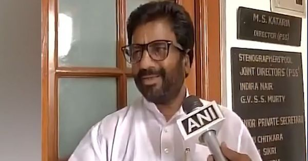 Watch: Does this video really prove Shiv Sena MP Ravindra Gaikwad was hit before he struck back?