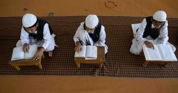 उत्तर प्रदेश के मदरसों में एनसीईआरटी की पढ़ाई का फैसला किए जाने सहित आज की प्रमुख सुर्खियां