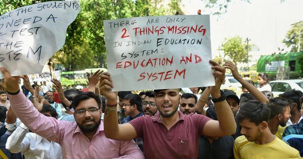 ये आंकड़े बताते हैं कि कैसे हमारी उच्च शिक्षा व्यवस्था एक संकट में फंसी हुई है