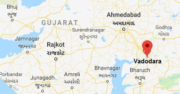 गुजरात : अवैध खनन के दौरान तटबंध टूटने से चार मजदूरों की मौत