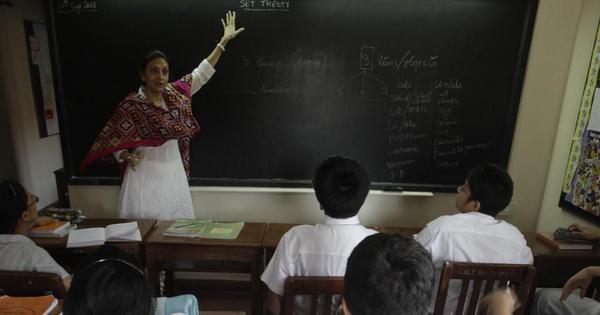 हम शिक्षक को किनारे कर शिक्षण चाहेंगे तो शिक्षा का बंटाढार तो होगा ही