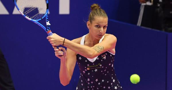 Karolina Pliskova ends Naomi Osaka's winning streak to lift Pan Pacific Open title
