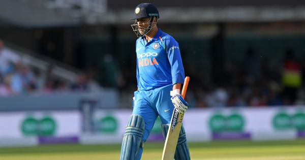 Tale of two innings: Dhoni's 59-ball 37 at Lord's reminds Gavaskar of his 174-ball 36