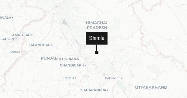 हिमाचल प्रदेश : टैंपो ट्रैवलर खाई में गिरा, 13 लोगों की मौत
