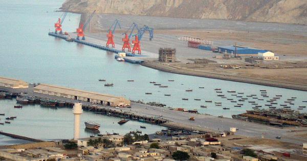 चीन के साथ नज़दीकी बढ़ा रहे देशों के लिए पाकिस्तान से आई यह ख़बर कैसे एक चेतावनी भी है?