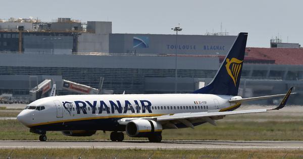 Over 30 passengers hospitalised after Ryanair flight makes emergency landing in Frankfurt