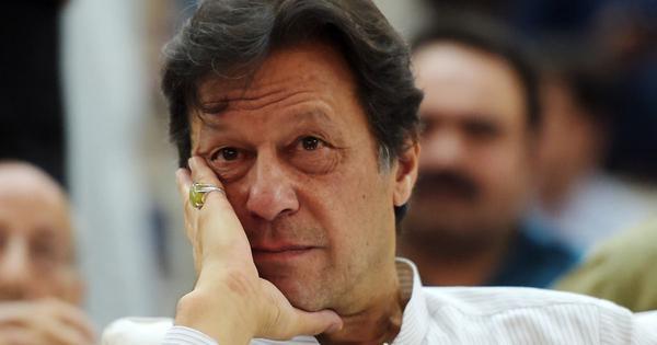 कैसे इमरान खान वैसी ही सरकार बना रहे हैं जैसी पाकिस्तानी सेना चाहती थी