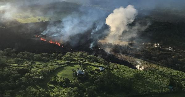 Hawaii: Flying lava shoots through roof of tour boat, injures 23