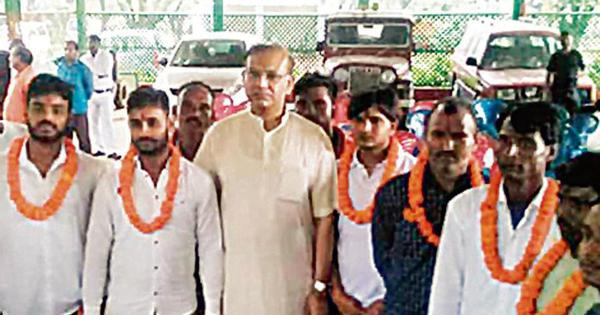 Jayant Sinha regrets garlanding lynching convicts, says his intent was to ensure justice: HT