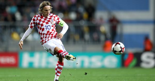 Fifa World Cup, Group D – as it happened: Croatia thrash Argentina 3-0 to move to last-16